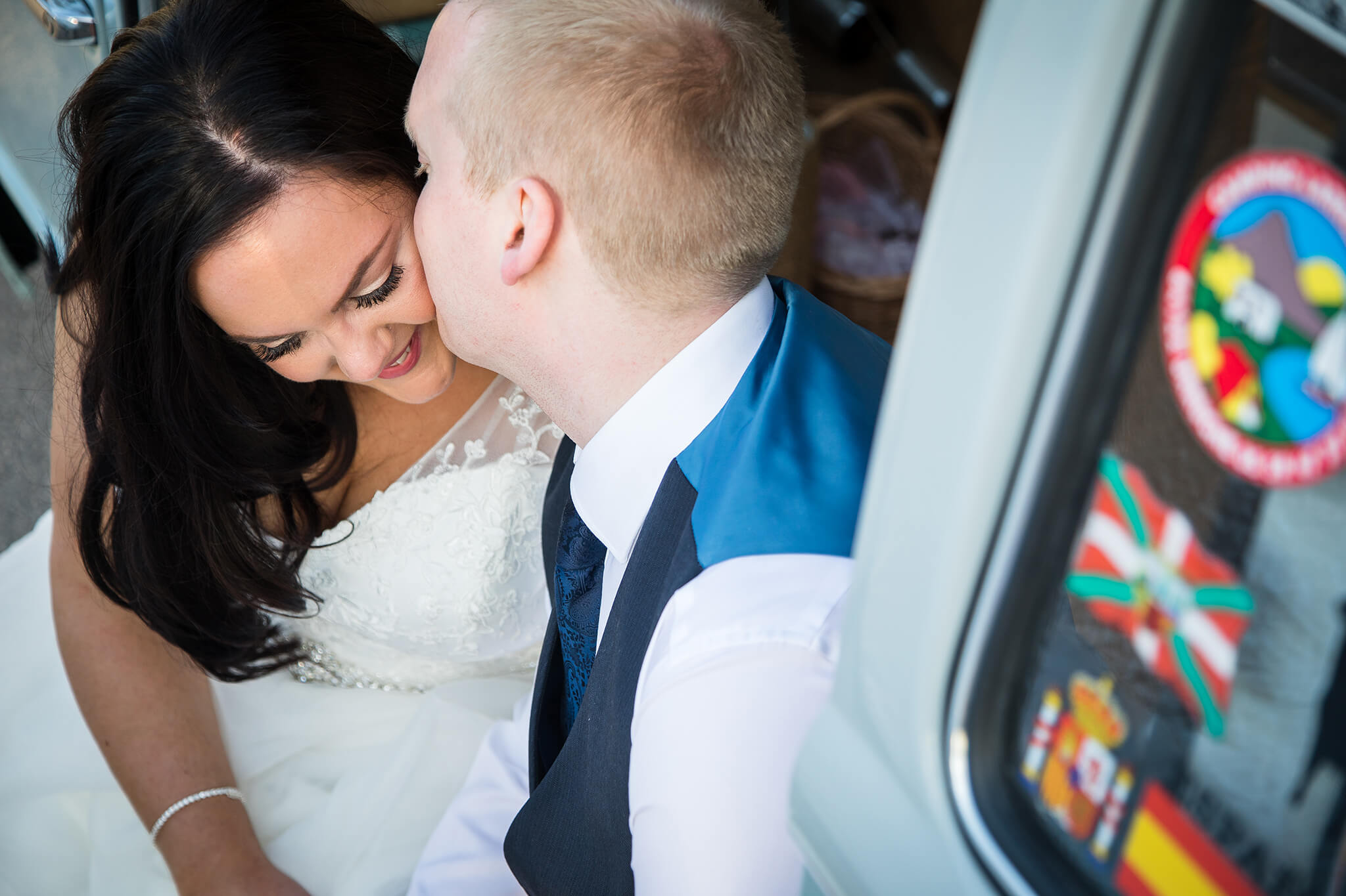 relaxed-wedding-photography-berkshire