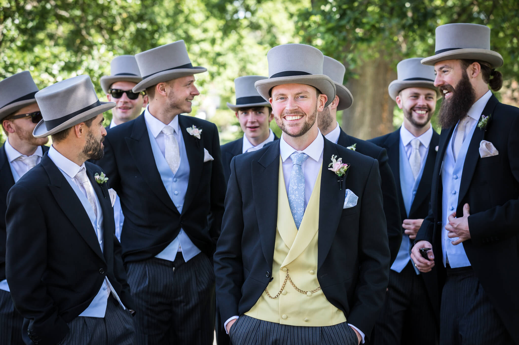 groom-suits