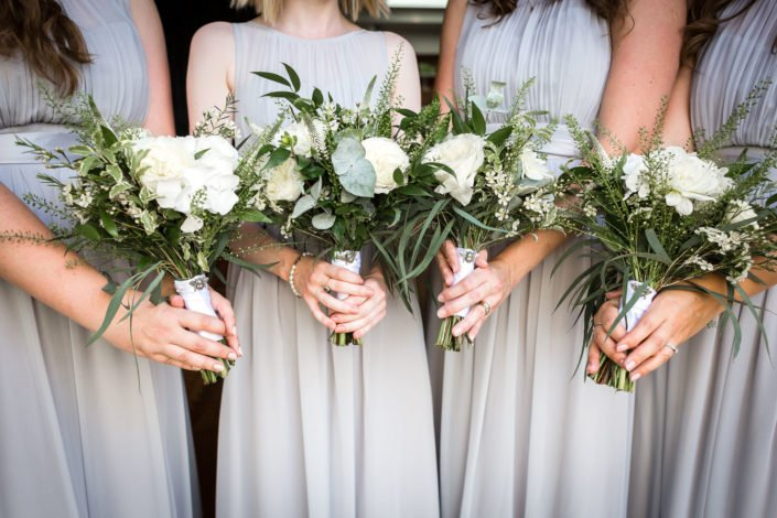 bridesmaids-flowers